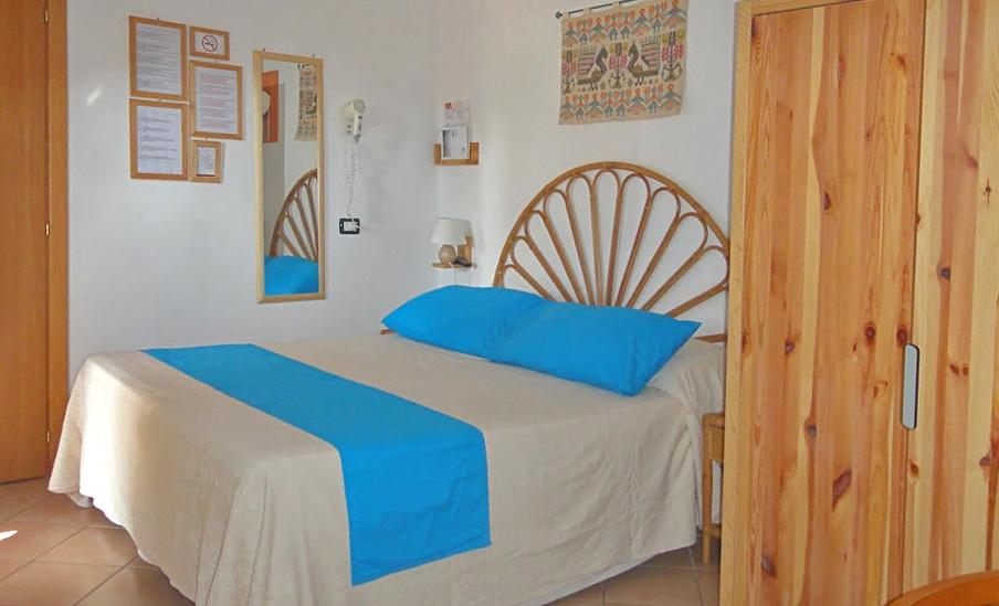 Hotelzimmer: Mini-Mansarde